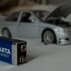 Battery and Car